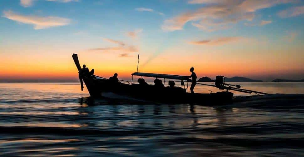 fishing-boat-thailand-old-kho-lipe